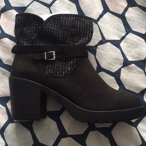 Justfab Dessa black booties